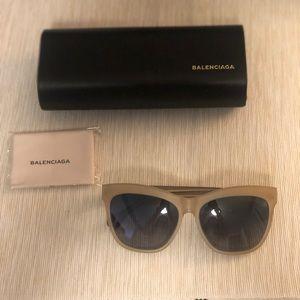 Balenciaga oversized 59 mm sunglasses - LT BROWN